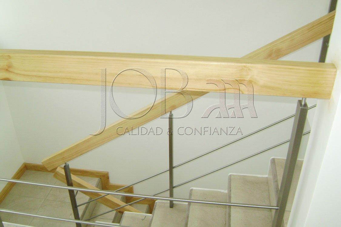 Barandas de acero inoxidable y pasamanos de madera B-07