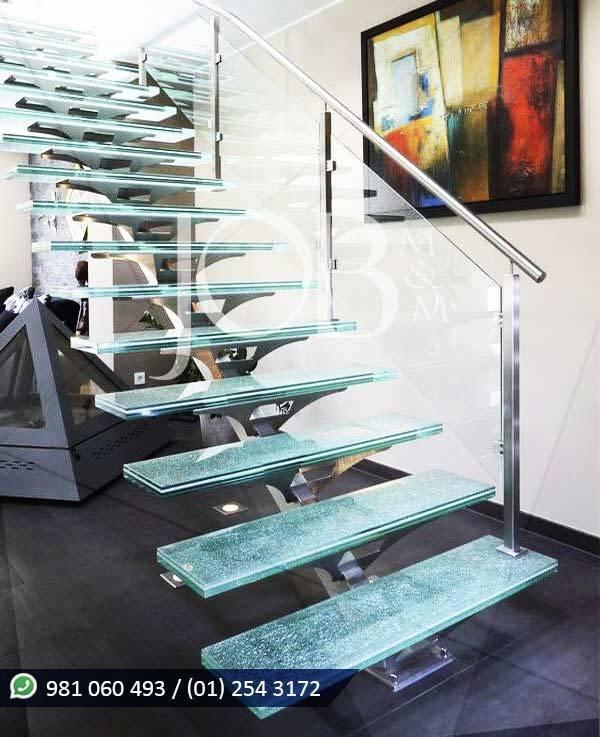 Escalera de acero inoxidable y pasos de vidrio JOB