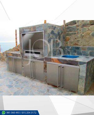 fabricación de puertas simples y contra placadas, ductos y enchapes en acero inoxidable AISI 304.